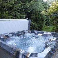 Rainbow Cottage Hot Tub